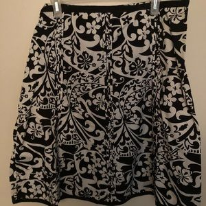 Past the knee, all cotton, old navy size 18 skirt